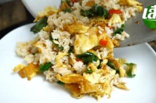 ข้าวผัดกระเพราไข่เจียว