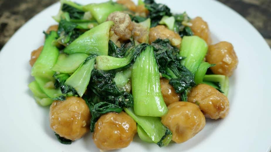 ลูกชิ้นกุ้งผัดผักกวางตุ้งไต้หวัน YT